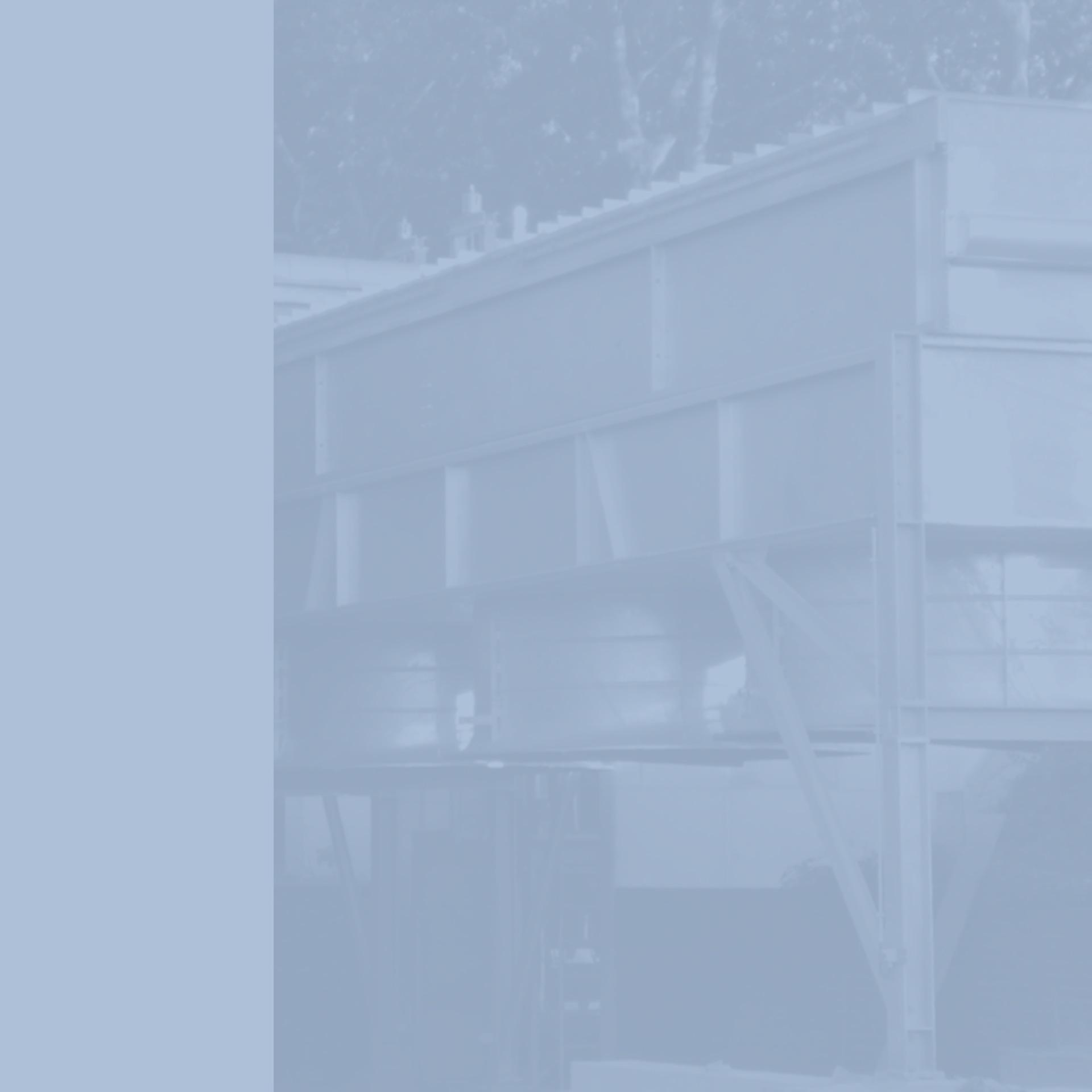 GWA_Kuehlanlagentechnik_Rueckkuehler_mit_Ventilatoren_Rueckkuehler_als_Hilfskondensator_Gesellschaft_fuer_Waerme_und_Anlagentechnik_monochrom