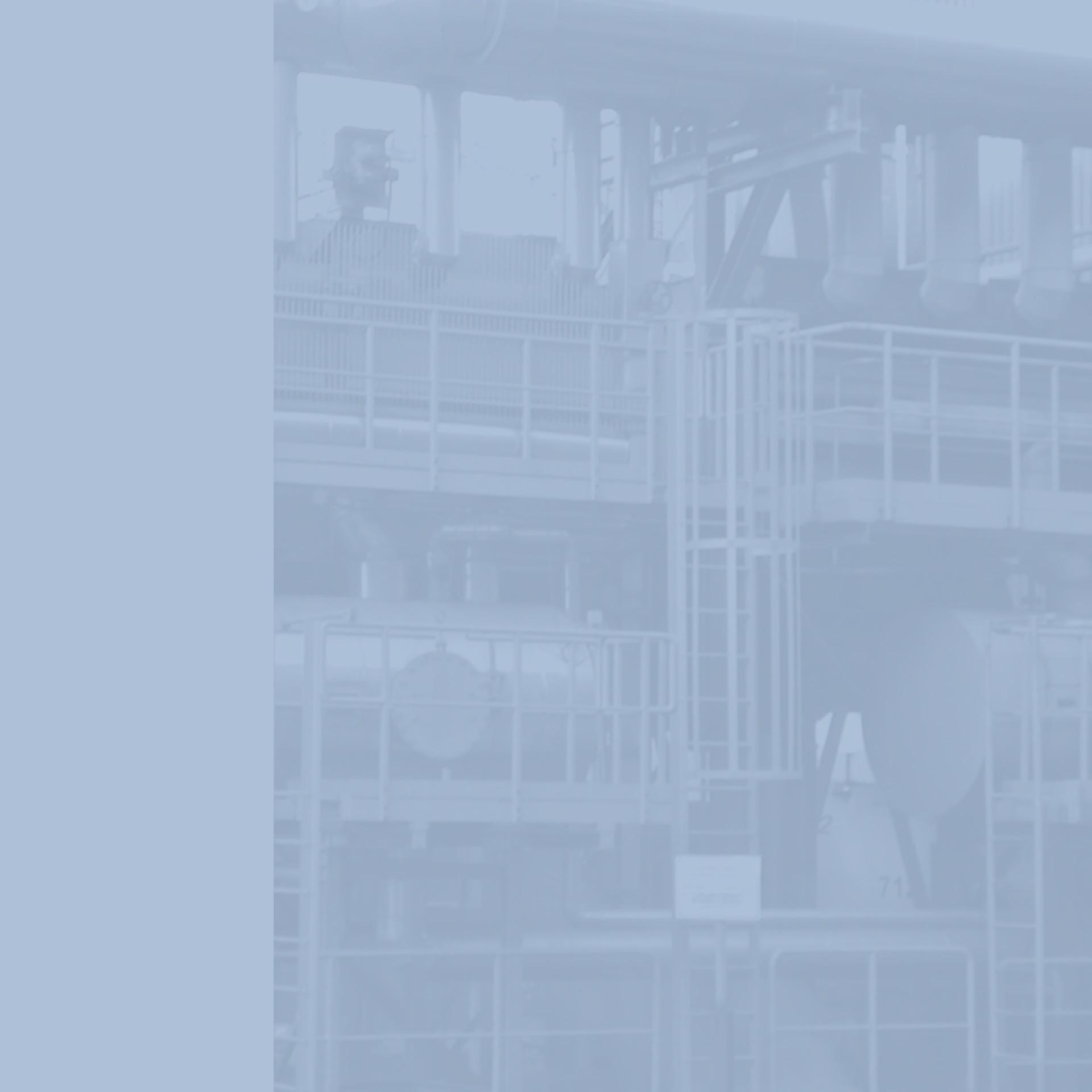 GWA_Kuehlanlagentechnik_Teilanlage_Hilfskondensatoren_mit_Kondensatsammelbehaelter_Gesellschaft_fuer_Waerme_und_Anlagentechnik_monochrom